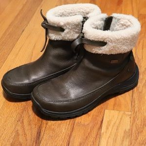 Ugg event waterproof brown leather sherpa boot 7